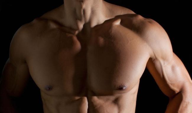 筋肉といえば胸筋!?マッチョの象徴、デカイ胸の作り方