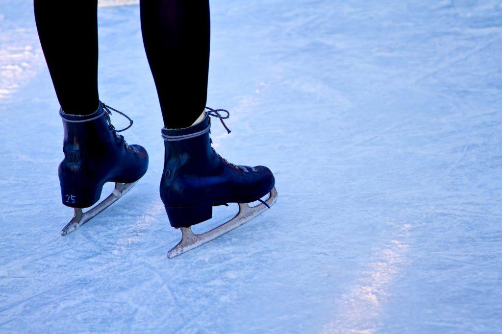 スピードスケート選手の足はなぜ太い!?スケーティング動作から学ぶ筋肥大トレーニングへの活かし方