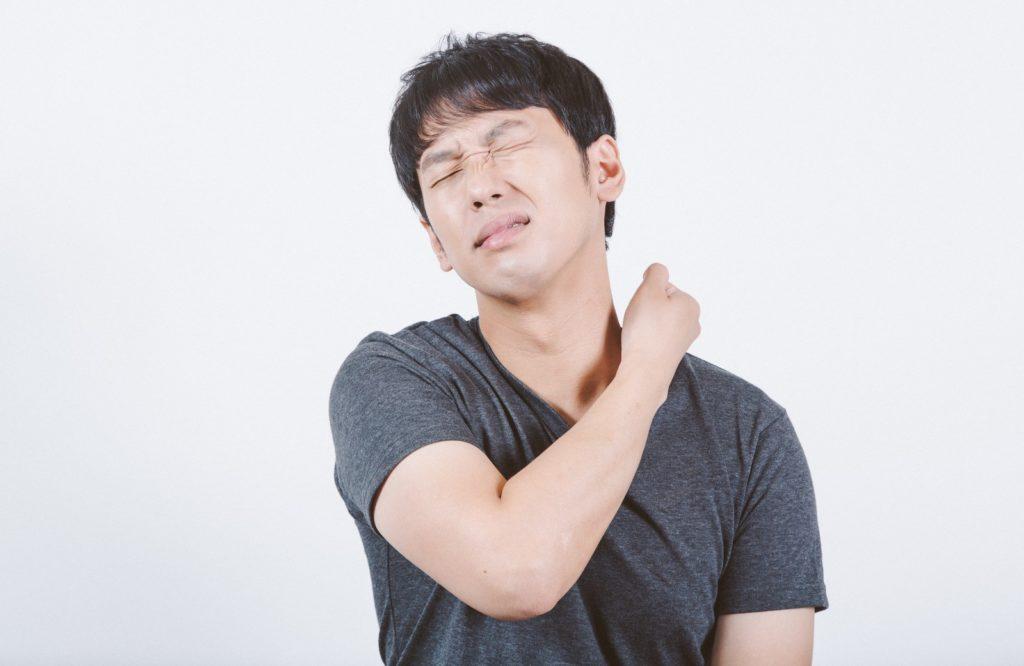 首を寝違えた時けど筋トレしてみた。今後の為に治し方と予防法も調査してみた。