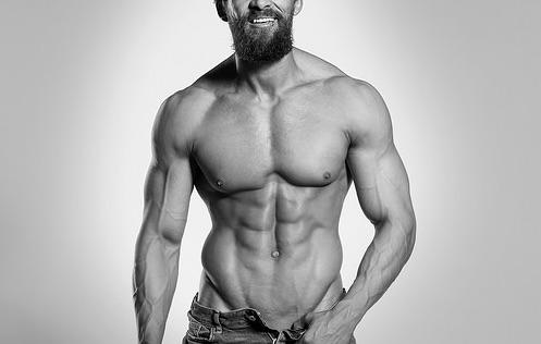 早く筋肉をつけたいならトレーニング中にマルトデキストリンを飲みましょう。