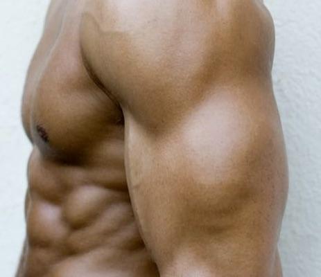 【腕を太くしたい人必見】上腕三頭筋の鍛え方決定版