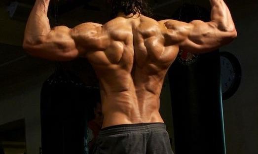 【鬼の顔】ボコボコした背中の筋肉を手に入れるための条件とは?