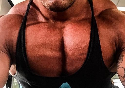 【大胸筋トレーニング】ギューっと詰まった密度のある大胸筋を得る為の秘訣とは。