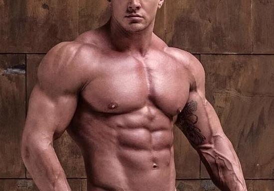肩トレーニングの達人が実践する、丸くてデカイ肩を作るための肩トレ三原則とは。